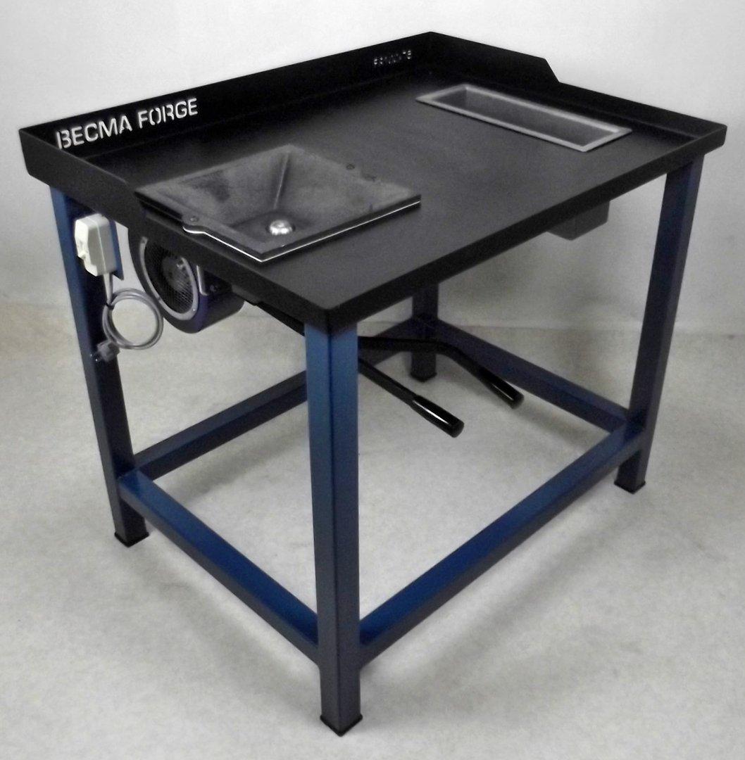 becma schmiedefeuer schmiedeesse mit hochwertiger qualit t fr100 pro oezwerk maschinenhandel. Black Bedroom Furniture Sets. Home Design Ideas