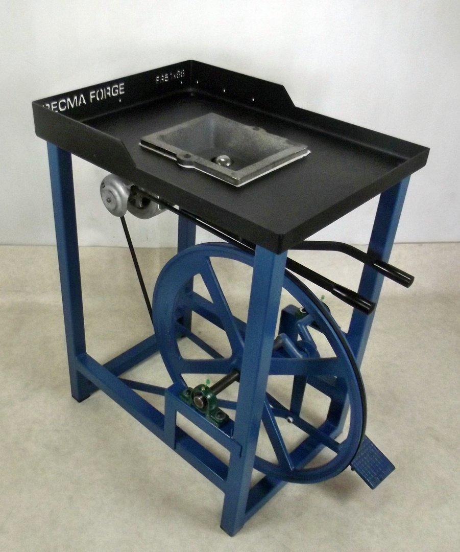 BECMA Blacksmith's Foot Treadle Forge with high quality FR51 M mono