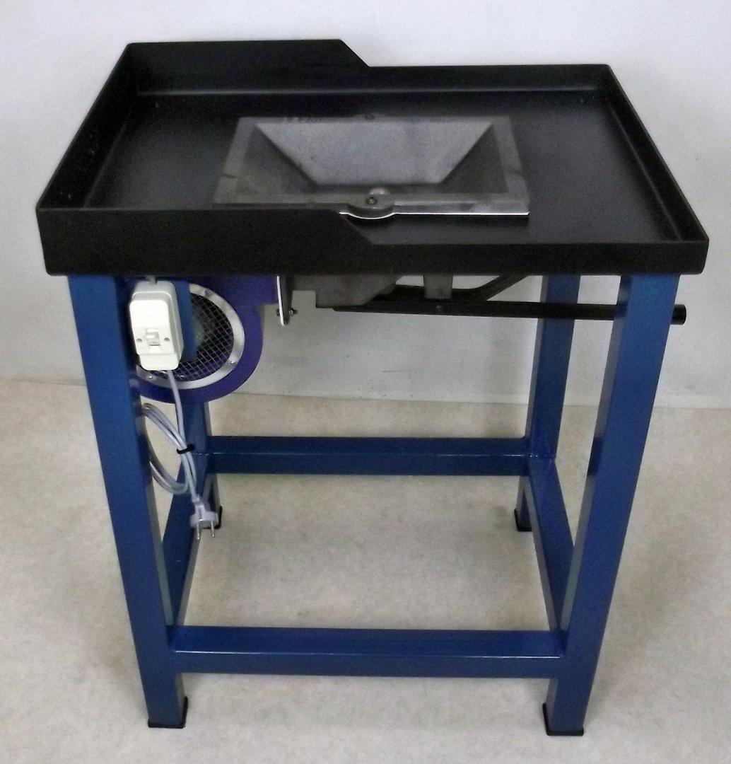 becma schmiedeesse feldschmiede mit hochwertiger qualit t fr51 mono oezwerk maschinenhandel. Black Bedroom Furniture Sets. Home Design Ideas